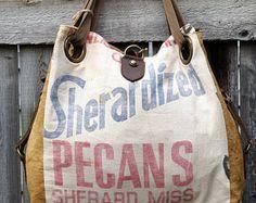 Sherandized noix de pécan - Sherard, Miss - ouvre Tote - Americana Upcycle Vintage OOAK toile & cuir fourre-tout... Selina Vaughan Studios