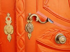 The French Tangerine: orange door