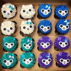Kawaii llama cupcakes by Frostings Bake Shop. Kid Cupcakes, Baking Cupcakes, Cupcake Cakes, Fun Cakes, Sloth Cakes, Llama Birthday, 8th Birthday, Girl Birthday Themes, Birthday Ideas