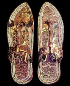 Tutankhamun's sandals Sandals of the king Tutankhamun. Gold and leather. From the Tomb of Tutankhamun Valley of the Kings, West Thebes. Now in the Egyptian Museum, Cairo. Egyptian Kings, Egyptian Pharaohs, Ancient Egyptian Art, Ancient History, European History, Ancient Aliens, Ancient Greece, American History, Ancient Egypt Fashion
