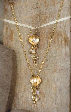 Holly Yashi - Lily Pad Necklace