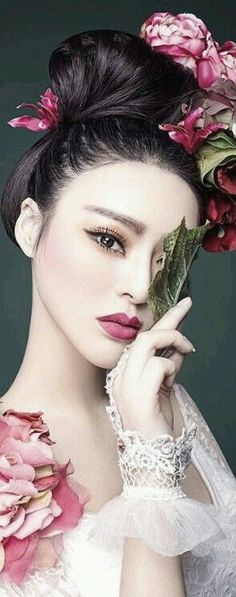 Simple, sophisticated oriental look. Porcelain skin and dusky, dark pink lips. Soft matte powdery finish.