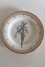 Royal copenhagen flora danica обеденная тарелка #3549