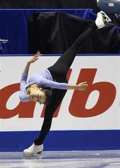 Mao Asada wtf I was lots of spirals but what is that back flexiblity...o.o