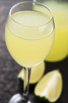 LIMONCELLO, A DELIGHTFUL DIGESTIVO | What Limoncello is and when to drink it