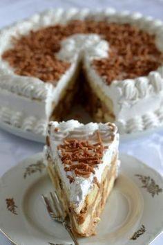 Babapiskótás-mazsolás gesztenyetorta - Kifőztük, online gasztromagazin Hungarian Desserts, Hungarian Recipes, Ital Food, Cookie Recipes, Dessert Recipes, Torte Cake, Desserts To Make, Sweet And Salty, Sin Gluten
