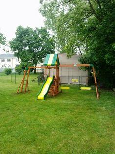 Big Backyard Goldenridge Deluxe Playset installed in ...