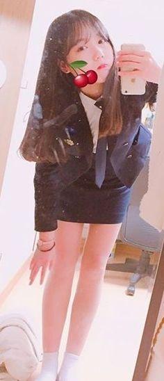 인스타 얼짱사진들 모음 여러장 Cute School Uniforms, School Uniform Girls, Girls Uniforms, School Looks, Japanese Beauty, Cosplay Girls, Asian Fashion, Sexy Legs, Pretty Woman