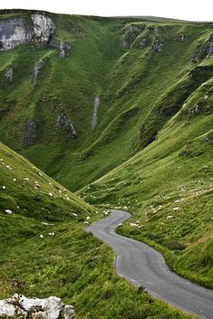 winnats pass, derbyshire, england