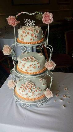 Cake Decorations, Tiered Cakes, Baking, Desserts, Food, Tailgate Desserts, Deserts, Bakken, Essen