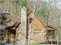 Log Cabin In The Woods | mountain breeze log cabin in the woods 2 br 2  .... I could live here, too :-)