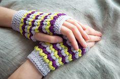 Neon Love Mitts | Pom Pom Quarterly x MillaMia #crochet #gloves #mitts