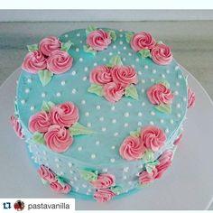 vintage shabby chic pastel cake                                                                                                                                                      More    Cake decorating ideas www.instagram.com