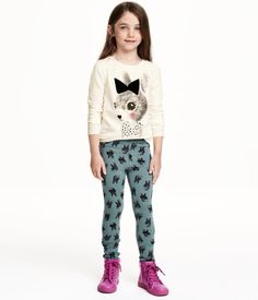 Treggings in sturdy jersey with an elasticated waist, fake pockets at the front and real pockets at the back.
