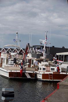 Bohem (42) and Quest (46) In Treslövslege, Sweden. Sommer 2014.