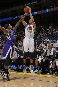10.7.13   Stephen Curry splashed home four three-pointers and had a game-high 23 points and six assists.