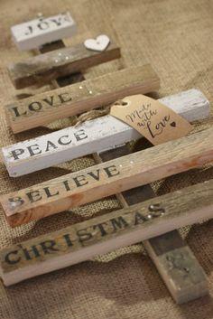 Pallet Christmas Tree (White wood Joy...) £18.00