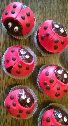 Marienkäfer-Muffins (ladybug-muffins) von rotweinkuchenundpizza.blogspot.de