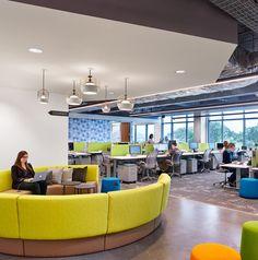 Bazaarvoice Headquarters – Austin / Curved Seating / Furniture Systems