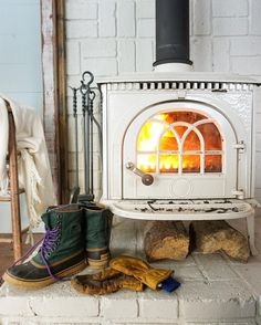 …and don't even get me started on the white cast iron (Jotul) stove she got. Swoon!