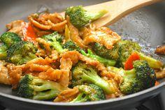What's Cookin, Chicago?: Chicken & Broccoli Stir Fry