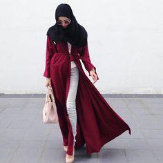 "Hanis Arif on Instagram: ""Its a Wonderful Wednesday! Tengah tengah tunggu @fieza__ahmad datang tolong tengok keta kita yang eksiden ni, meh la kita mengupload sekeping gambar. All new item by @tudungruffle | Wide shawl with Gold Label and Abaya Cardigan for this Raya Haji."""