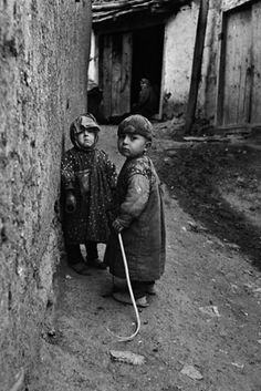 village children in the uludag mountain region near bursa by Ara Güler Artistic Photography, Street Photography, Travel Photography, Children Photography, Henri Cartier Bresson, Black White Photos, Black And White Photography, Great Photos, Old Photos