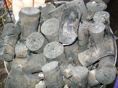 Haaa ça va être très utile ça pour faire le frigo justement. Alors, le charbon de bois, c'est quoi en fait? C'est le produit de la carboni...