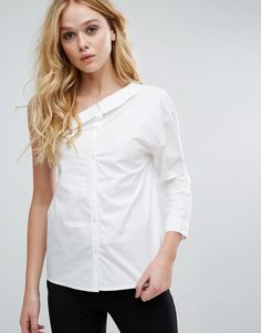 Buy it now. Walter Baker Gina Top - White. Top by Walter Baker, Woven cotton, Bardot neck, One-shoulder design, Button placket, One-sleeve style, Regular fit - true to size, Hand wash, 100% Cotton, Our model wears a UK S/EU S/US XS and is 178cm/5'10 tall. , tophombrosdescubiertos, sinhombros, palabradehonor, topestilopañuelo, offshoulders, tube, offtheshoulder, coldshoulder, bardot, cutout, bandeau. White Walter baker  top off shoulder  for woman.