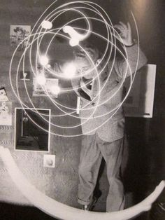 Bruno Munari drawing with light, 1950s