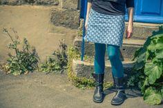 Une jupe dans un simple coupon de tissu ? C'est l'idée géniale d'Angélique, créatrice futée du blog Le marché éclectique, grâce à laquelle elle a pu remporter notre ...