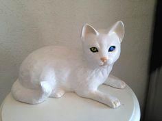 Van Kedi Heykeli Cats, Biscuit, Animals, Gatos, Animales, Animaux, Animal, Crackers, Cat