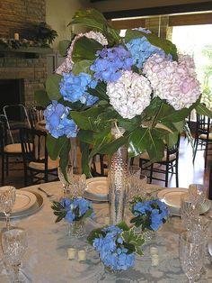 Hydrangea centerpiece & table inspiration