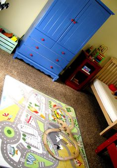 The Life of a Cheap Chickadee: Introducing... A Retro Boys Room {and how i did it so CHEAP}
