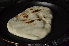 Now cover the tawa with Naan Bread Recipe No Yeast, Indian Naan Bread Recipe, Naan Recipe Without Yeast, Easy Naan Recipe, Yeast Dough Recipe, Homemade Naan Bread, Recipes With Naan Bread, Flatbread Recipes, Oven Recipes