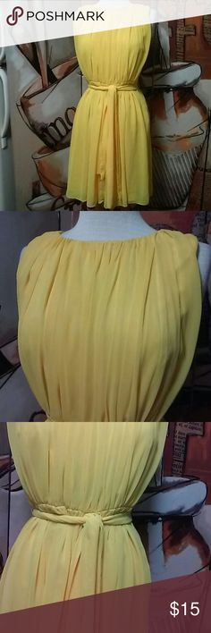 New Directions Canary Yellow Beautiful Size 4 Dres Beautiful. .No Flaws..Very Flowing..Lined ..Bust 17 Length 34 new directions Dresses