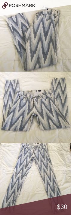 AG Chevron The Stilt Cigarette Leg Jeans AG The Stilt Cigarette Leg chevron patterned jeans.  So comfy and soft!  Wider Leg openings (for fitted jeans) for easy put on. Size 30R Ag Adriano Goldschmied Jeans Skinny