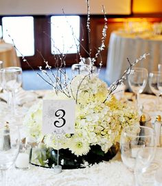 Grab Your #Wedding Guests' Attention with these Impressive Low #Centerpieces