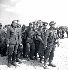 Group of prisoners who surrendered to Canadians in Courseulles - Juno Beach - Wikipedia, the free encyclopedia