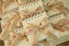 Ideias para casamento e festa: Bloquinhos de papel para lembrancinha de…