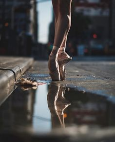 Ideas Photography Dance Ballet - Dora A. Ballet Images, Ballet Pictures, Dance Pictures, Dance Images, Ballet Feet, Ballet Dancers, Ballerina Dancing, Dance Wallpaper, Dance Photo Shoot