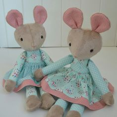 I love this sweet fabric and look how sweet Miss Country Mouse looks in it