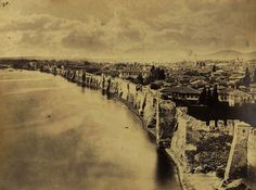 Picture of Thessaloniki biggest city in Greece) taken in the before the Byzantine wall was demolished. Macedonia Greece, Athens Greece, Old Pictures, Old Photos, Vintage Photos, Thessaloniki, Landscape Pictures, Facebook, One Pic