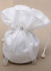 Color : Ecru White Style : Fashion,Club Pattern : Solid Color Occasion : Weeding,Party,Formal Evening The post Nice Bridal Wedding Handbag appeared first on Power Day Sale. Wedding Gloves, Wedding Shawl, Party Gowns, Wedding Party Dresses, Bridesmaid Dresses, Trendy Handbags, Women's Handbags, Color Ivory, Mini Vestidos