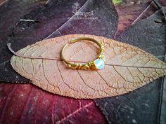 Латунное кольцо с лунным камнем Copper ring with moonstone Instagram: strangell.wire.art ~  Shop: www.strangell.livemaster.ru ~  Eatsy Shop: www.strangell.etsy.com ~  VK: vk.com/strangell