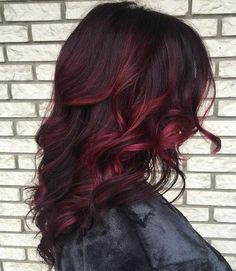 Red Balayage & Hair Highlights : 40 Cool Ideas of Lavender Ombre Hair and Purple Ombre The Right Hairstyles for You Brown Curly Hair, Dark Red Hair, Short Hair, Burgundy Balayage, Red Burgundy, Auburn Balayage, Burgundy Colour, Red Color, Burgundy Hair Ombre