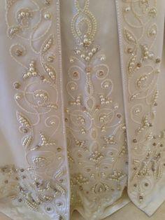 Wedding dress Tambour Beading, Tambour Embroidery, Hand Work Embroidery, Couture Embroidery, Embroidery Dress, Ribbon Embroidery, Embroidery Designs, Kaftan, Fashion Sketchbook