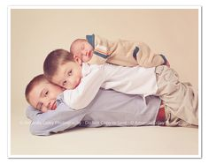 Photography - Newborn with siblings.