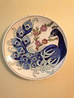 çini saat modelleri - Google'da Ara Ceramic Decor, Ceramic Design, Ceramic Plates, Ceramic Art, Peacock Painting, Peacock Art, Mural Painting, Pottery Painting, Ceramic Painting