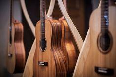 Model: 000 Soundboard: King Billy Pine Back/Sides: Cooba Neck: Queensland Maple